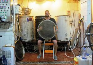 "Joe Finkenbinder alla ""brewhouse"" BionicBrew"